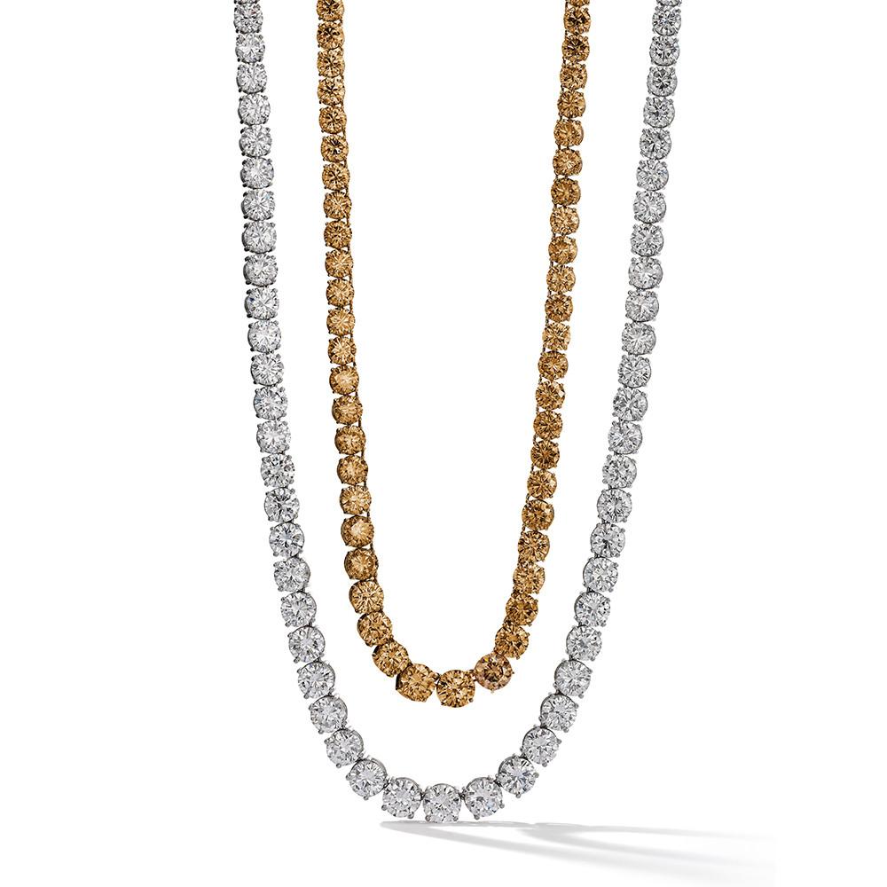 Collier in 950 Platin und 750 Roségold mit weißen und Orange Brown Diamanten.