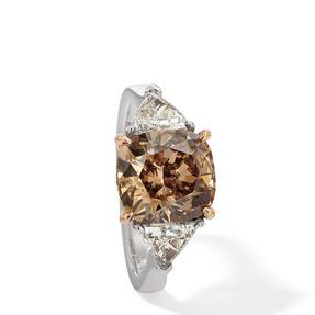Ring in 750 Weißgold und Roségold mit Orange Brown und weißen Diamanten. Erhältlich in verschiedenen Größen.