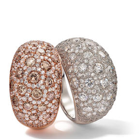 Ringe in 750 Weißgold und Roségold mit weißen und Champagner Farbenen Diamanten. Erhältlich in verschiedenen Größen.