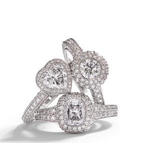 Ringe in 750 Weißgold mit weißen Diamanten. Erhältlich in verschiedenen Größen.